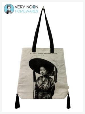 Beach Bag - Femme au Grande Chapeau