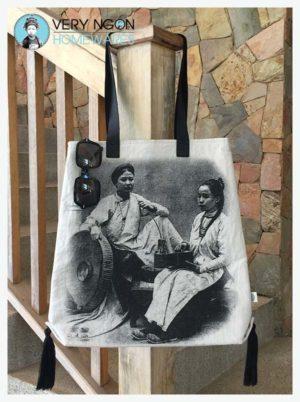 Beach bag - Tonkin Femme Riche, hanging