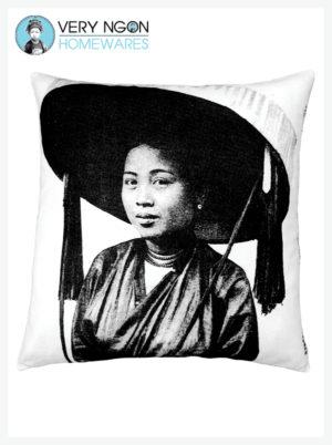 Cushion Cover - Standard - Femme au Grande Chapeau