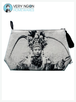 Travel Pouch - Large - Une Actrice Chinoise