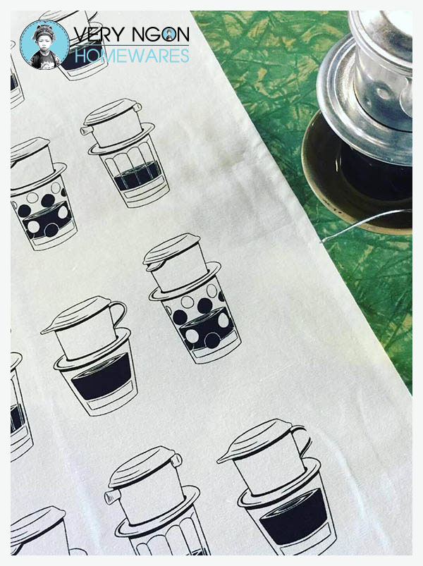 Tea towel Ca Phe Sua Da on green table