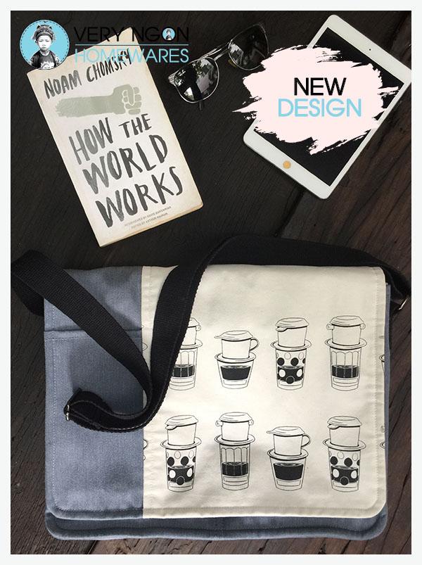 Laptop Bag w book - Coffee O'clock